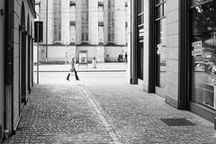 big step (gato-gato-gato) Tags: street leica bw white black classic film blanco monochrome analog 35mm person schweiz switzerland flickr noir suisse strasse zurich negro streetphotography pedestrian rangefinder human streetphoto manual monochrom zrich svizzera weiss zuerich blanc m6 manualfocus analogphotography schwarz ch wetzlar onthestreets passant mensch sviss leicam6 zwitserland isvire zurigo filmphotography streetphotographer homedeveloped fussgnger manualmode zueri strase filmisnotdead streetpic messsucher manuellerfokus gatogatogato fusgnger leicasummiluxm35mmf14 gatogatogatoch wwwgatogatogatoch streettogs believeinfilm tobiasgaulkech