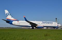TC-SNR, Boeing 737-8HC(WL), 40754/3352, SunExpress, CDG/LFPG, 2016-04-18. (alaindurandpatrick) Tags: boeing airports airlines airliners 737 cdg boeing737800 boeing737 737ng jetliners 738 lfpg sunexpress boeing737ng tcsnr parisroissycdg 407543352