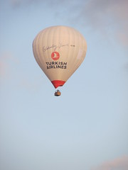 Turkish Air (bakpacker) Tags: balloons flying sweden gothenburg hotairballoons