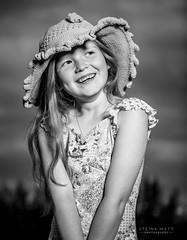 DMK (SteinaMatt) Tags: summer portrait bw white black smile matt photography outdoor flash portrett bowens steinunn ljsmyndun steina matthasdttir dagbjrtmara steinamatt