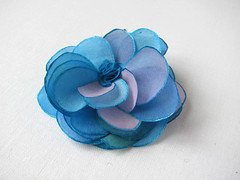 Blue azure tones rose from hand painted silk - hair pin (simutes) Tags: blue green rose hair turquoise azure violet etsy hairpin silkpainting accessory cheveux silkflower bobbypin barrettes flowerhairpin fleurensoie