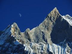 Half moon rising (Equi.Libre) Tags: nepal sunset moon trekking annapurna machapuchare