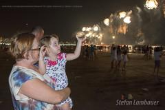 Ano Novo em Santos (Stefan Lambauer) Tags: reveillon brazil people baby praia beach brasil mar kid br fireworks sopaulo santos anonovo vov fogos gonzaga catharina 2016 stefanlambauer 20152016