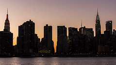 Skyline Manhattan al atardecer (jorgemu77) Tags: new york usa building skyline ro river island atardecer long manhattan edificio queens hudson nueva anochecer rascacielo