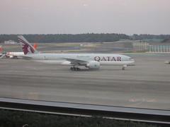 IMG_1823 (johnkoji) Tags: japan airplane tokyo airport narita qr nrt b737 b777 7c