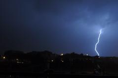 fulmine (yokomonamour1) Tags: italy blu pisa tuscany lightning fulmine nikond5000