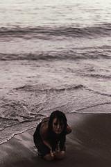 Inside my chest (nash_garden) Tags: sea black beach water girl strand mar model sand agua meer wasser dress darkness negro arena schwarz vestido oscuridad dunkelheit kleidung madchen modella strans