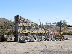 Welcome (altfelix11) Tags: california sign desert coachellavalley abandonment saltonsea imperialcounty belowsealevel communitypride saltonseabeach