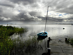Durgerdam (Ger Veuger) Tags: water weather clouds reeds landscape boot boat wolken riet durgerdam landschap noordholland dutchlandscape weer ijmeer markermeer noordhollandslandschap