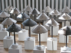 Schirme - Umbrellas (MKP-0508) Tags: art ceramic denmark kunst umbrellas dnemark danmark dansk keramik schirme parapluies abenraa lysgard jyttelysgard