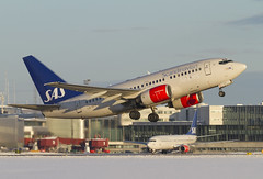 SAS Boeing 737-683 LN-RPT taking off runway 19R (Stefan Sjogren) Tags: winter snow airport sweden stockholm off traveller business take boeing sas airlines scandinavian 737 arlanda 737600