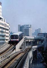Thailand - Bangkok - Skytrain (railasia) Tags: 2001 thailand bangkok siemens junction infra bts thirdrail ratchaprasong emu3 silomline elevatedstructure metrosubwayunderground routenº2