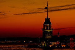 KIZ KULES - MAIDEN'S TOWER (01dgn) Tags: city sunset red colors turkey landscape colorful asien sonnenuntergang istanbul asya farben maidenstower turkei kizkulesi