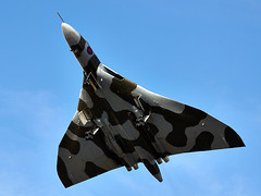 Vulcan (Bernie Condon) Tags: uk classic tattoo plane vintage flying display aircraft aviation military jet delta airshow vulcan preserved bomber raf warplane airfield avro ffd fairford royalairforce raffairford airtattoo xh558 vtts