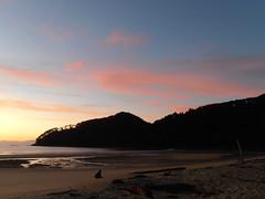 Abel Tasman National Park (Maria Velon) Tags: newzealand sunrise lights alba cielo aotearoa luce oceano amarcord abeltasmannationalpark nuovazelanda