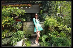nEO_IMG_IMG_0258 (c0466art) Tags: blue light portrait window girl beautiful face canon store nice pretty slim outdoor gorgeous ale skirt el east short figure salvador taipei tall charming steet 1dx c0466art fashional