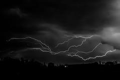 ciel d'orage (sapiens5) Tags: monochrome 35mm iso200 noir pentax lumire lot nb ciel kr et f8 nuit garonne blanc 8s 2016 clair orgae avril10