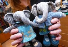 KNITTING ART! (sifis) Tags: art wool lumix store knitting knit craft athens hobby yarn greece lx7 αθήνα panasomic sakalak σακαλακ μαλλιά πλέξιμο πλέκω βελόνεσ σακαλάκ sakalakwool