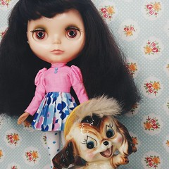 Anouk hangs with a sweet vintage puppy pal ☺