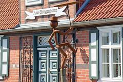 Zingst - Skulptur vor dem Haus Morgensonne (www.nbfotos.de) Tags: kunst skulptur darss zingst heimatmuseum hausmorgensonne
