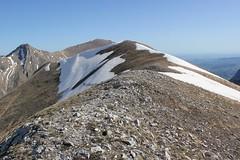 verso il Cannafusto (Roberto Tarantino EXPLORE THE MOUNTAINS!) Tags: 2000 natura neve montagna cima monti cresta passo sibillini cattivo altaquota vallinfante cannafusto