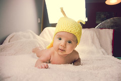 Ainhoa Caracolito (Juanedc) Tags: baby girl beautiful animal yellow fauna costume spain snail zaragoza amarillo disfraz newborn aragon bebe hermosa caracol saragossa beba ainhoa neonato valdespartera espaa nia
