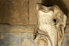 Aphrodite (olivier.ghettem) Tags: sculpture statue museum athens musée ombre greece museo aphrodite grèce agora marbre antiquity antiquité athènes ancienneagora