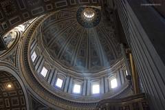 Light across the dome (Jose A. Portero) Tags: light shadow italy rome color roma luz monument architecture arquitectura italia monumento sombra