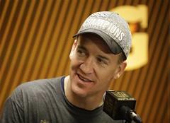Budweiser no le pag a Manning por mencin tras Super Bowl (Tu Nexo De) Tags: ca usa santaclara nflaction15levisstadium