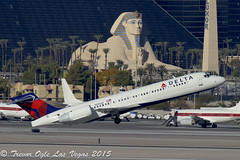 DSC_2957Pwm (T.O. Images) Tags: las vegas airport delta international boeing airlines luxor 717 mccarran n996at