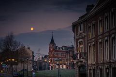 La Lune et le Cadran... (Gilderic Photography) Tags: street morning sky moon lune canon belgium belgique belgie ciel rue liege g7x gilderic