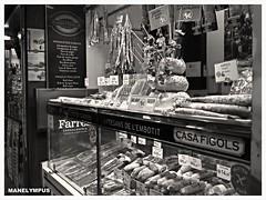 CASA FIGOLS  Mercat de La Boqueria. (MANELYMPUS) Tags: barcelona bcn streetphotography olympus aviary omd em1 mercatdelaboqueria mercadodelaboquera fuet laboquera uro embutidos embutits manelympus omdem1 mzuiko17f18 casafigols bcnstreetphotography