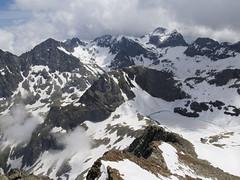 Widok z Pic Spijeoles w kierunku Pic Perdiguero