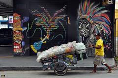 Recycle man (Otacílio Rodrigues) Tags: street urban man brasil graffiti candid streetphoto rua cart recycle reciclagem homem carrinho oro grafite resende bigchief