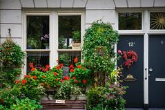 Private (Emiel Dekker) Tags: amsterdam garden private sony tuin bloemen privé noordermarkt a57 voortuin grachtenpand
