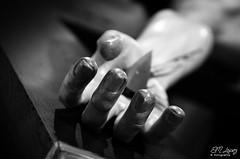MIRCOLES SANTO 2016 (E.M.Lpez) Tags: blancoynegro monocromo blackwhite madera escultura cruz mano fe cristo imagen sangre semanasanta cofrade virado talla penitente penitencia clavo 2016 pasin fervor viacrucis devocin cofrada hermandad clavado crucificado mircolessanto alcallareal penitencial cristodelasalud
