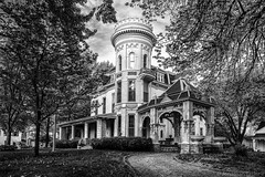 Cray Mansion - Atchison (Jonathan Tasler) Tags: blackandwhite victorian kansas atchison craymansion crayhouse craycastle