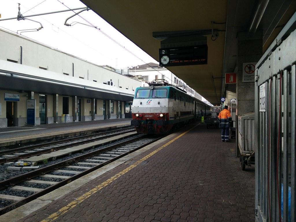 The world 39 s best photos of e444 and trains flickr hive mind - Milano porta genova treni ...