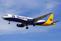 LEBL. Barcelona-El Prat (Josep Oll) Tags: barcelona photography airport aircraft bcn fotos monarch nubes airbus aeropuerto spotting a321 spotters aproximacin lebl cirrros