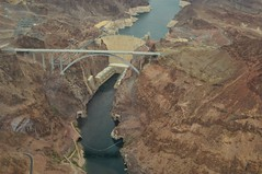 Hoover Dam flyby (no6photography) Tags: usa nikon helicopter hooverdam dslr flyby