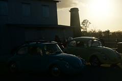 (Elisas caramel) Tags: sunset volkswagen atardecer pareja antiguo chimenea azucarera vocho volky