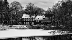 Wassermühle am Schlossgraben (p.schmal) Tags: winter sw schloss ahrensburg olympuspenepl7