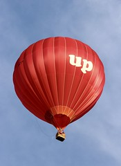 up (Richimal) Tags: fly flying balloon floating hotairballoon float bristolballoonfiesta bristolballoonfestival bristolinternationalballoonfiesta bristolfiesta bristolhotairballoonfestival