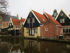 Graft-DeRijp geveltoppen aan de gracht (Arthur-A) Tags: house netherlands gevels nederland haus huis gables maison graft derijp