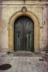 the doors #238 (.CLOSER.) Tags: city urban photography nikon doors 28mm finestra elements porta af nikkor astratto arco f4 architettura closer testo analogic trama allaperto