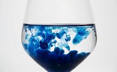 Blue (Gyalation) Tags: blue blu stillife acqua wather vetro