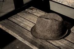 loneliness (trecepuntocero) Tags: canon soledad sombrero cursofotografia 1100d centrocomercialaragonia