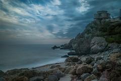 Pietragrande (Nakazuchi) Tags: sea fall beach bay seaside rocks mare shore calabria scogliera lungaesposizione pietragrande