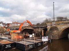 TADCASTER OLD BRIDGE (I.K.Brunel) Tags: bridge england stone divers unitedkingdom arches damage pontoons excavator tadcaster riverwharfe