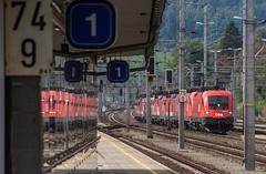 0016_2016_10_01_sterreich_Gloggnitz_12er_Lokzug_BB_1116_207_1116_126_1116_205_1044_005_1116_179_1044_039_1042_02x_1042_002_1116_246_1144_255_1142_590_1042_013_Wiener_Neustadt (ruhrpott.sprinter) Tags: railroad schnee train germany logo deutschland austria sterreich diesel outdoor eisenbahn rail zug tunnel cargo carl nrw passenger alpen fret taurus ruhr ruhrgebiet niedersterreich freight bb klause locomotives steiermark metropole semmering lokomotive ritter wanderweg 1016 sprinter ruhrpott gter 1042 1142 1144 rinne viadukt 1044 oec 1116 ghega 4020 kalte semmeringbahn reisezug gloggnitz krausel lokzug ellok